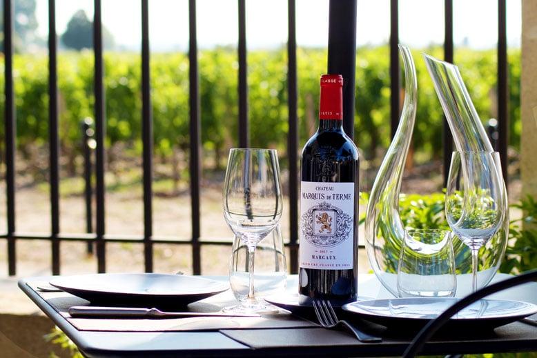 Restaurant---Au-Marquis-de-Terme---Grégory-Coutanceau---Terrasse-Table